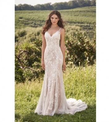 Φόρεμα με χαμηλή πλάτη