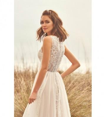 Φόρεμα σε γραμμή A με πλαίσια από δαντέλα και σιφόν