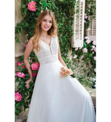 Φόρεμα με λαιμόκοψη V σε γραμμή Α με μακριά φούστα από σιφόν
