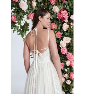 Ελαφρύ φόρεμα από αγγλικό τούλι με λεπτές τιράντες