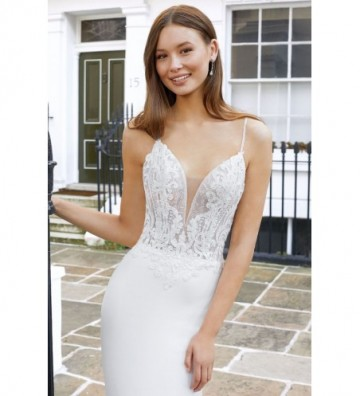 Κρεπ φόρεμα με διάφανο μπούστο και πούλιες