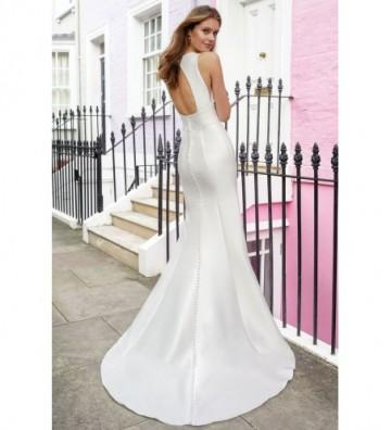 Φόρεμα Fit and Flare με ίσια λαιμόκοψη και οπή στην πλάτη